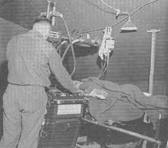 Picture showing X-ray techniques in the field at the 11th Field Hospital. The photograph was taken during the unit's time in France.